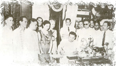 Signing of Declration of Municipality of Maayon with Pres. Magsaysay