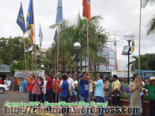 Capiztahan 2009 - Flag Raising Ceremony of procincial, City and Municipals Banners